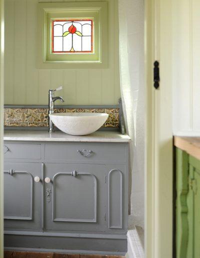 French shepherd hut shower room