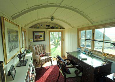 Garden office shepherd hut Roundhill 19