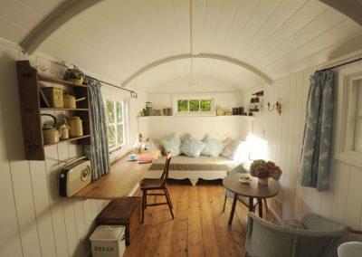 Garden-room-shepherd-hut-1