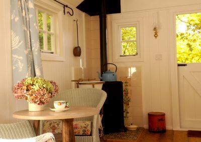 Garden-room-shepherd-hut-2
