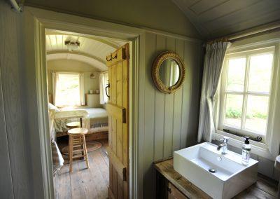 Heathland shepherd hut 6