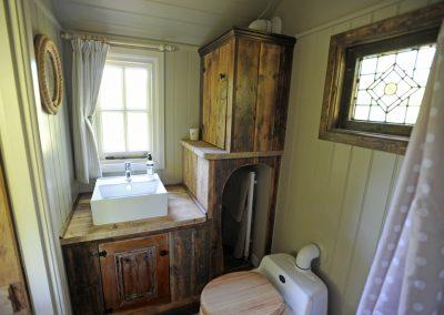 Heathland shepherd hut 7