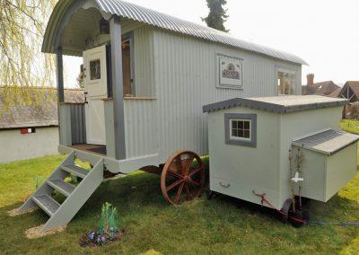 Living-wagon-8