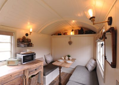 Roundhill-Mill-hut-8a