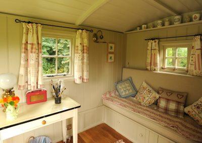 Roundhill Shepherd hut interior