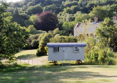 Roundhill-downland-hut-5-