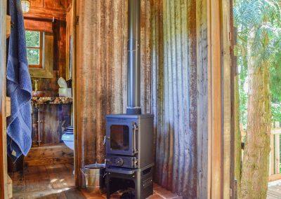 Rustic-cabin-shepherd-hut-2