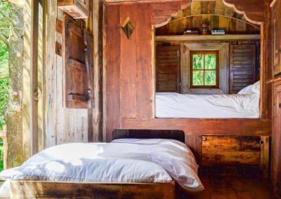 Rustic-cabin-shepherd-hut-4
