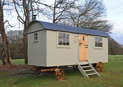 Scandinavian-shepherd-hut-9