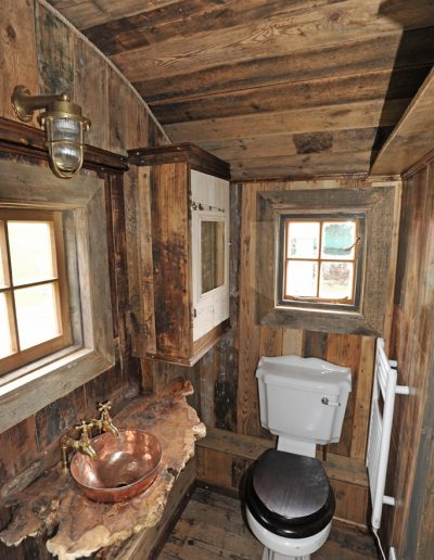 Woodland Rustic hut 9
