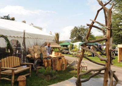 shepherd-hut-at-bignor-floral-fringe-fair-25