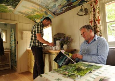 shepherd-hut-at-bignor-floral-fringe-fair-2jpg