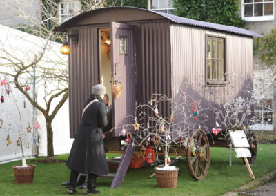 shepherd-hut-at-petworth-house