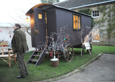 shepherd-hut-at-petworth-house_0
